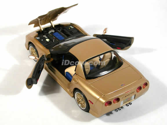 2003 Guldstrand Signature Edition Chevrolet Corvette diecast model car 1:18 scale die cast by Maisto - Gold