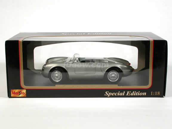 1956 Porsche 550 A Spyder diecast model car 1:18 scale die cast by Maisto - Silver