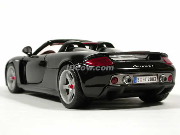 2004 Porsche Carrera GT diecast model car 1:18 scale die cast by Maisto - Black (Production Model)