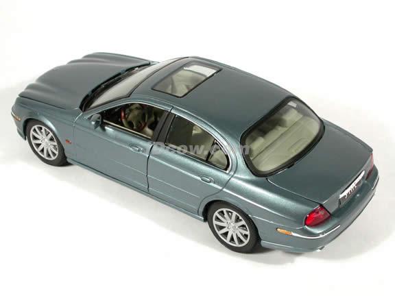 1999 Jaguar S-Type diecast model car 1:18 scale die cast by Maisto - Silver Blue