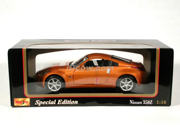 2003 Nissan 350Z diecast model car 1:18 scale die cast by Maisto - Orange