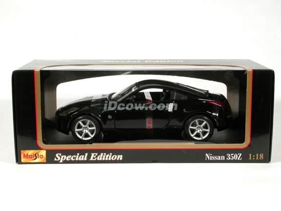 2003 Nissan 350Z diecast model car 1:18 scale die cast by Maisto - Black