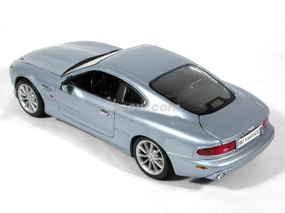 Aston Martin DB7 Vantage diecast model car 1:18 scale die cast by Maisto - Silver Blue