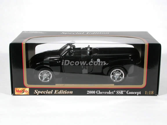 2000 Chevrolet SSR Convertible Concept diecast model car 1:18 scale die cast by Maisto - Black