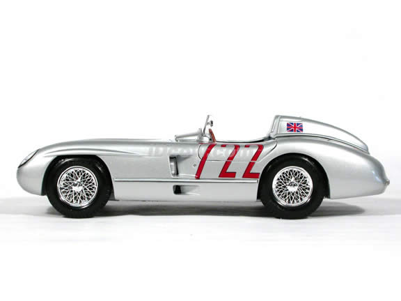 1955 Mercedes Benz 300 SLR Mille Miglia #722 diecast model car 1:18 scale die cast by Maisto