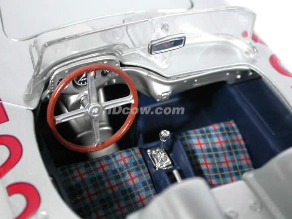 1955 Mercedes Benz 300 SLR Mille Miglia #722 diecast model car 1:18 scale die cast by Bburago