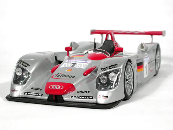 2001 Infineon Audi R8 #1 Le Mans diecast model race car 1:18 scale die cast by Maisto