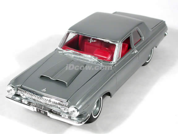 1963 Dodge 330 diecast model car 1:18 scale die cast by Maisto - Silver