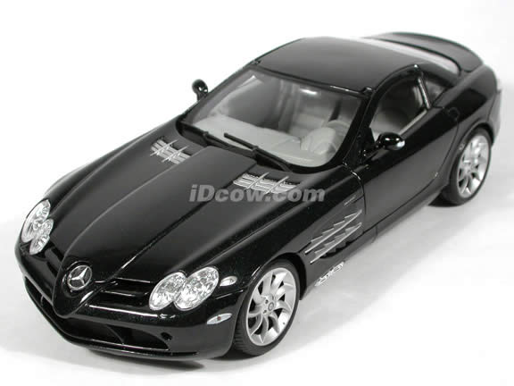 2005 Mercedes Benz McLaren SLR diecast model car 1:18 scale die cast by Maisto - Black