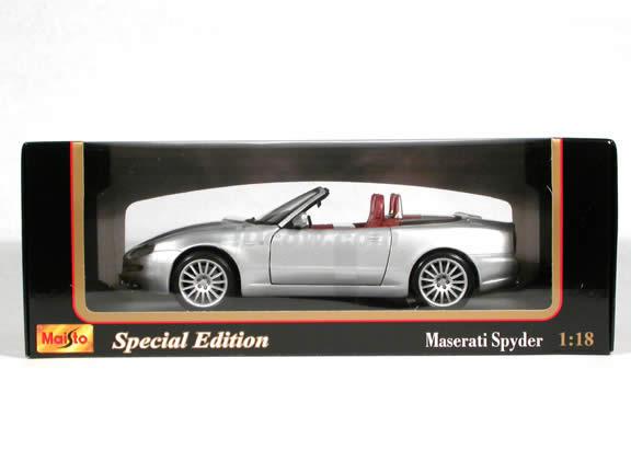 2004 Maserati Spyder diecast model car 1:18 scale die cast by Maisto - Silver