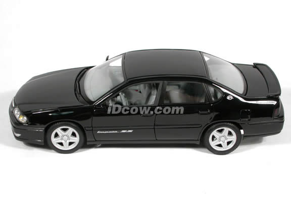 2004 Chevy Impala SS diecast model car 1:18 scale die cast by Maisto - Black