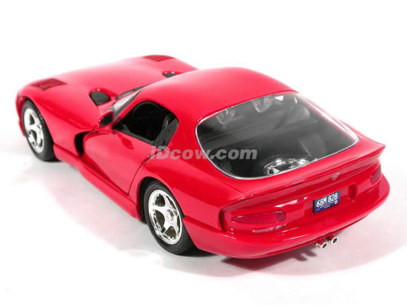 1997 Dodge Viper GTS diecast model car 1:18 scale die cast by Maisto - Red