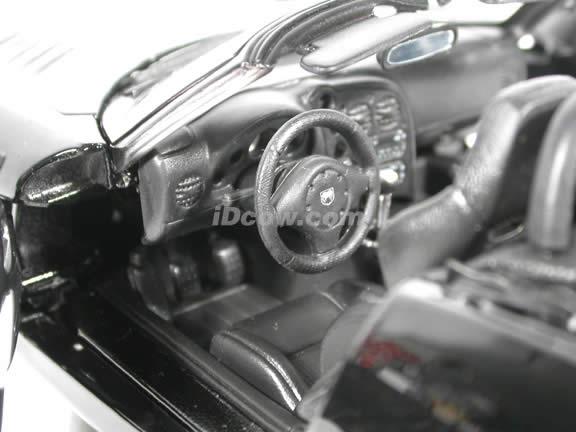 2003 Dodge Viper diecast model car 1:18 scale die cast by Maisto - Black