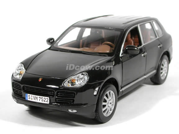 2003 Porsche Cayenne diecast model car 1:18 scale die cast by Maisto - Black