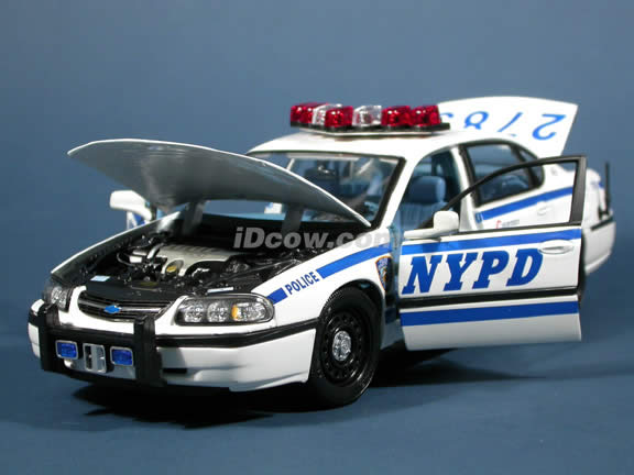 2004 Chevy Impala NYPD Police Car diecast model car 1:18 scale die cast by Maisto