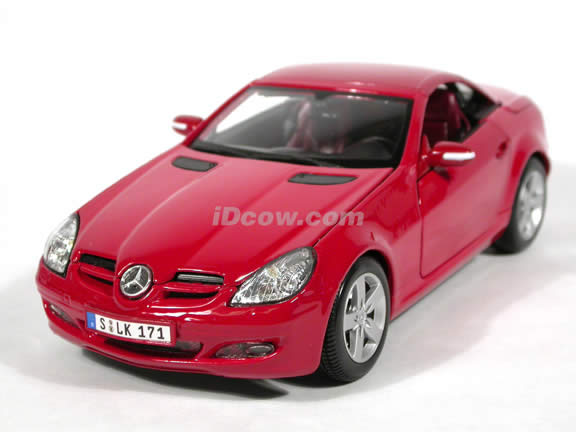 2005 Mercedes Benz SLK diecast model car 1:18 scale die cast by Maisto - Red