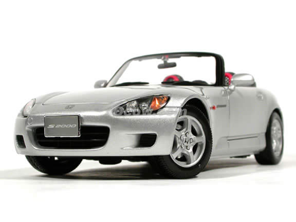 2001 Honda S2000 diecast model car 1:18 scale die cast by Maisto - Silver (LHD)