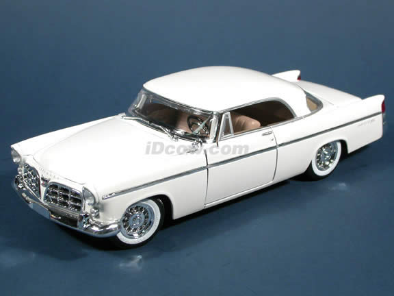 1956 Chrysler 300B diecast model car 1:18 scale die cast by Maisto - White