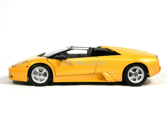 2005 Lamborghini Murcielago Roadster diecast model car 1:18 scale die cast by Maisto - Metallic Yellow