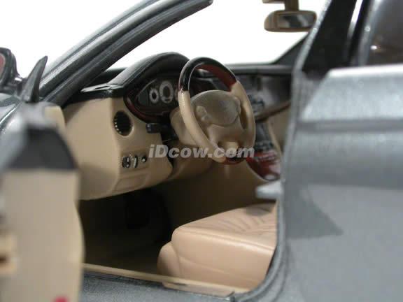 2005 Mercedes Benz CLS diecast model car 1:18 scale die cast by Maisto - Metallic Grey