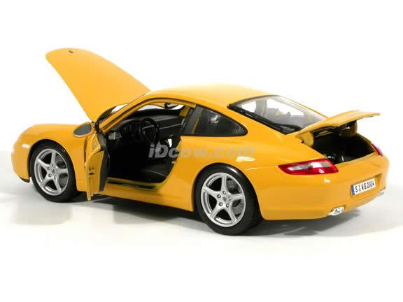 2005 Porsche 911 Carrera diecast model car 1:18 scale die cast by Maisto - Yellow