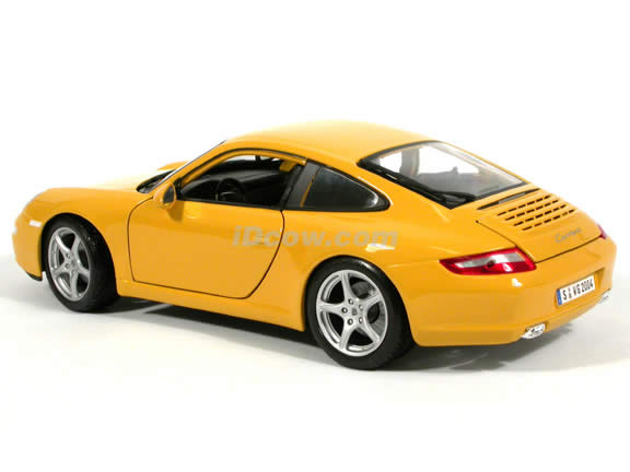 2005 Porsche 911 Carrera diecast model car 1:18 scale die cast by Maisto - Yellow