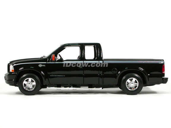 2004 Ford Harley Davidson F-350 diecast model truck 1:18 scale die cast by Maisto - Black