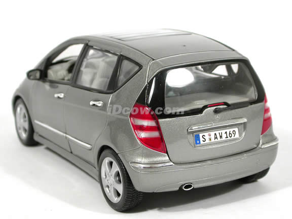 2004 Mercedes Benz A Class diecast model car 1:18 scale die cast by Maisto - Metallic Grey