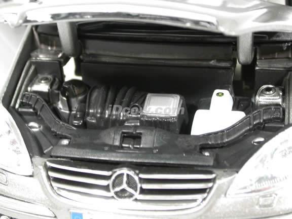 2004 Mercedes Benz A Class diecast model car 1:18 scale die cast by Maisto - Metallic Grey
