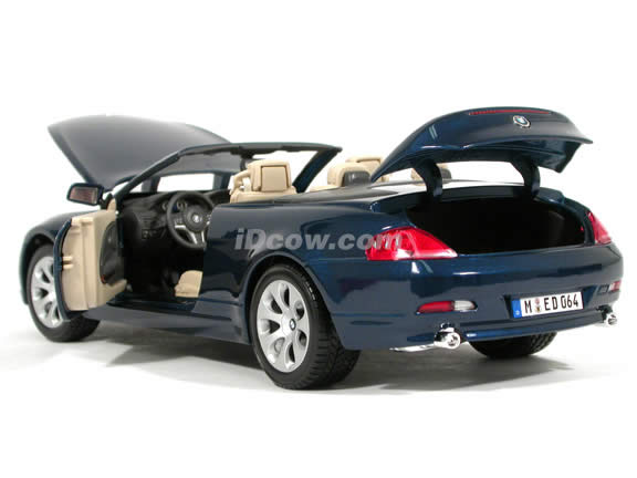 2005 BMW 645 Ci Cabrio diecast model car 1:18 scale die cast by Maisto - Metallic Blue