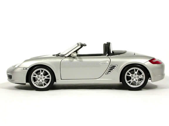 2005 Porsche Boxster diecast model car 1:18 scale die cast by Maisto - Silver