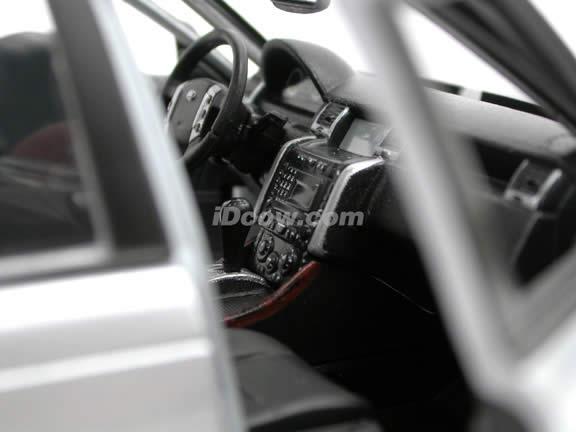 2006 Land Rover Range Rover Sport diecast model SUV 1:18 scale die cast by Maisto - Silver 31135