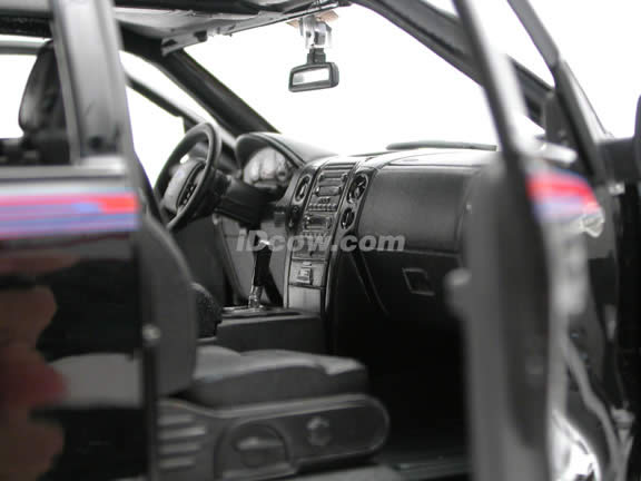 2006 Ford Harley Davidson F-150 diecast model truck 1:18 scale die cast by Maisto - Black 36129