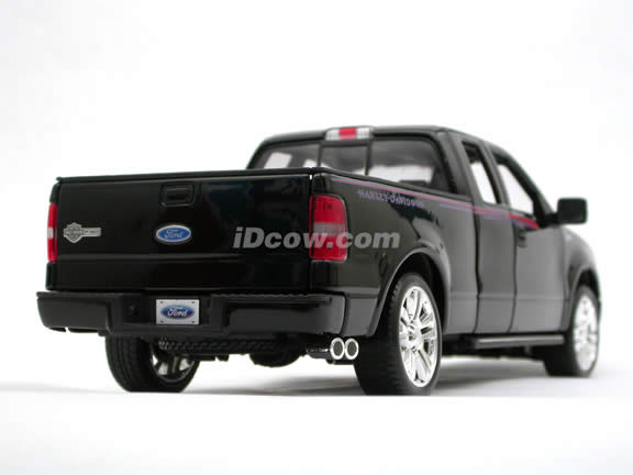 2006 Ford Harley Davidson F-150 diecast model truck 1:18 scale die cast by Maisto - Black 36129