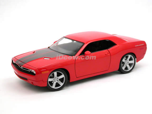 2006 Dodge Challenger Concept diecast model car 1:18 scale die cast by Maisto - Orange 36138