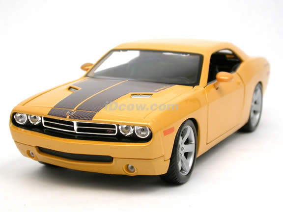 2006 Dodge Challenger Concept diecast model car 1:18 scale die cast by Maisto - Yellow 36138