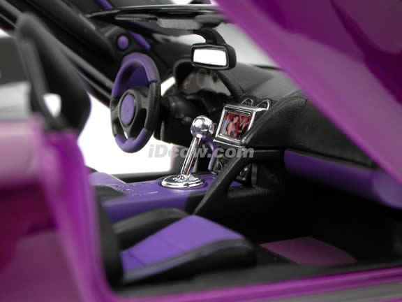 2005 Lamborghini Murcielago Roadster diecast model car 1:18 scale die cast by Maisto Playerz - Candy Purple 31060