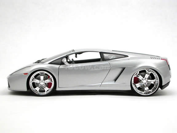 2006 Lamborghini Gallardo diecast model car 1:18 scale die cast by Maisto Playerz - Silver 31054
