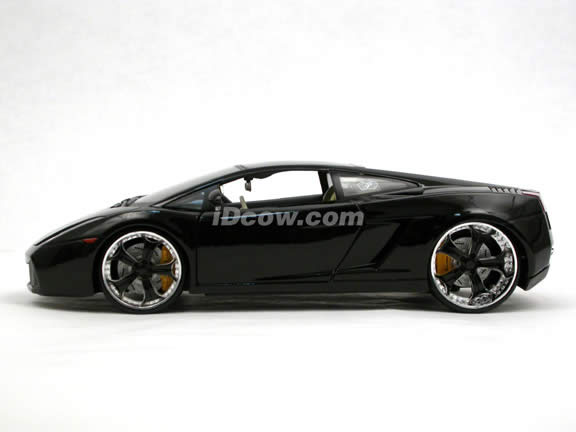 2006 Lamborghini Gallardo diecast model car 1:18 scale die cast by Maisto Playerz - Black 31054