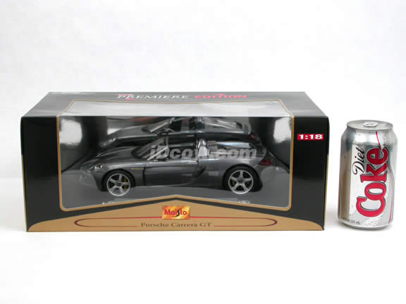 2004 Porsche Carrera GT diecast model car 1:18 scale die cast by Maisto - Silver (Concept Model)