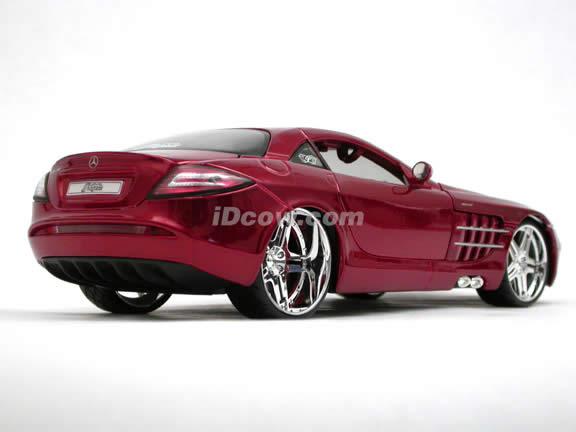 2006 Mercedes Benz McLaren SLR diecast model car 1:18 scale die cast by Maisto Playerz - Metallic Red 31068
