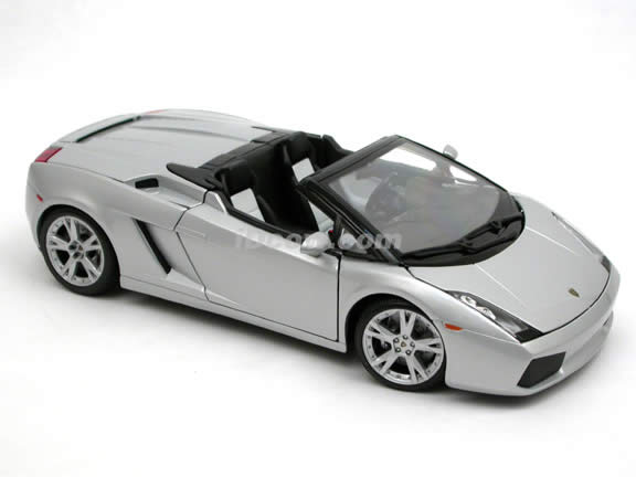 2006 Lamborghini Gallardo Spyder diecast model car 1:18 scale die cast by Maisto - Silver 31136