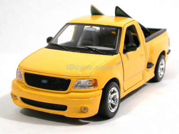 2000 Ford SVT F-150 Lightning diecast model truck 1:18 scale die cast by Maisto - Yellow 31141