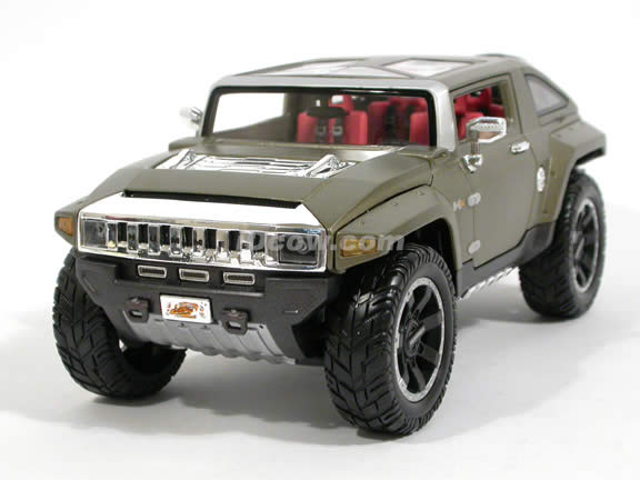 2008 Hummer HX Concept diecast model car 1:18 scale die cast by Maisto - Olive