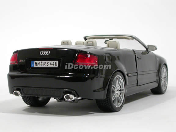 2008 Audi RS4 diecast model car 1:18 scale cabriolet by Maisto - Black Cabriolet