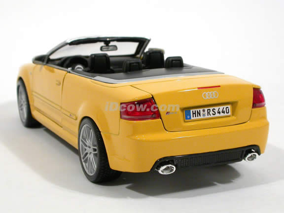 2008 Audi RS4 diecast model car 1:18 scale cabriolet by Maisto - Yellow Cabriolet