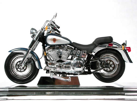 1999 Harley Davidson FAT BOY FLSTF Model Diecast Motorcycle 1:10 die cast by Maisto - Blue Silver