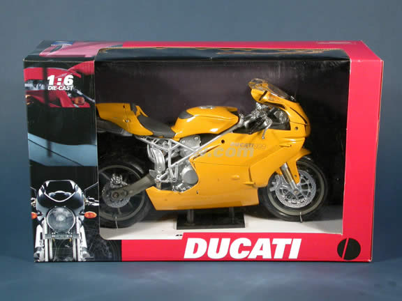Ducati 999 diecast motorcycle model 1:6 scale die cast by NewRay - Yellow