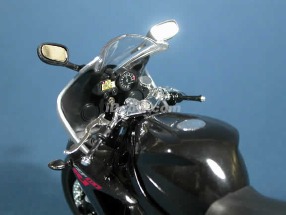 2003 Yamaha YZF-R1 Model Diecast Motorcycle 1:12 die cast by NewRay - Black Red