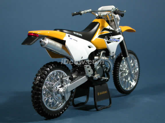 Suzuki DR Z400 Model Model Diecast Dirt Bike Motorcycle 1:12 die cast by NewRay - Yellow
